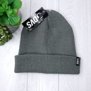 DVS Gray Men's Knitted Beanie Hat NWT